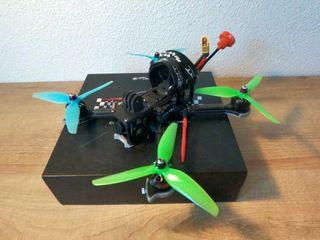 Dron FPV NAZGUL 5 + EXTRAS + XSR
