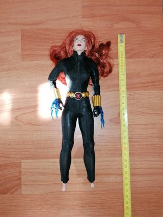 Viuda negra muñeca marvel