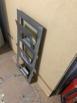 Revistero metalico pared