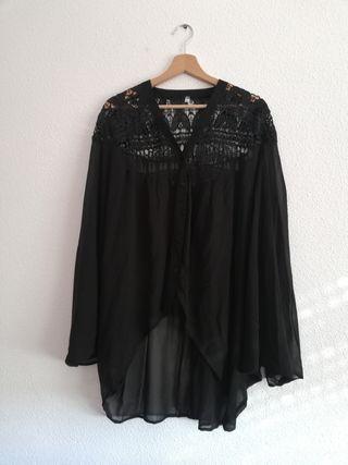 Blusa tipo kimono