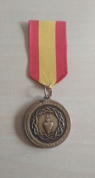Medalla carlista corazón de Jesús en bronce