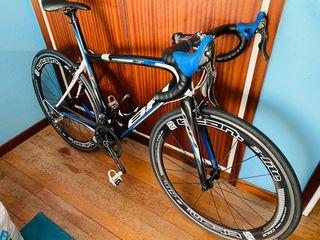 Bicicleta de carretera BH de carbono. Talla S
