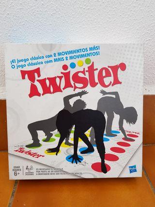 Twister, divertido juego de mesa.