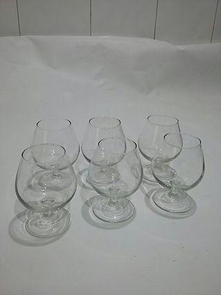 8 copas de coñac de cristal