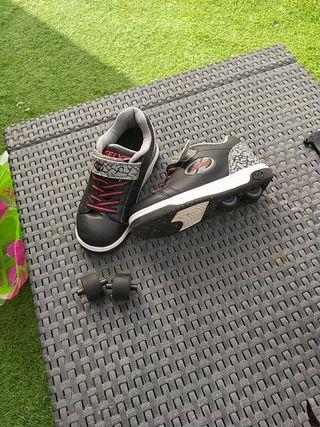 zapatos de niño con ruedas