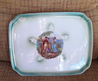 Bandeja/plato en loza o cerámica muy antigua