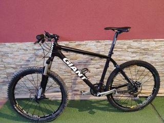 Bicicleta MTB Giant 26 carbono