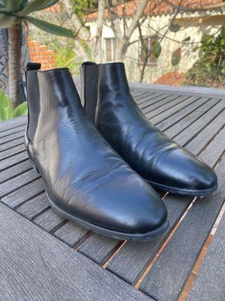 Botas negras de piel estilo Chelsea, Zara