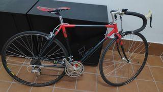 Bicicleta carretera Raleigh con acero Reynolds 531