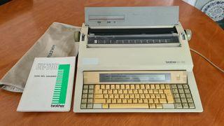 Máquina de escribir electrónica Brother CE 700