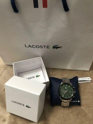 Lacoste watch y bolsa perfecto para regalo.