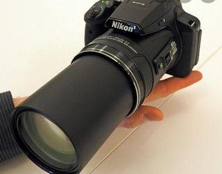 Se vende cámara de fotos Nikon Coolpix p900