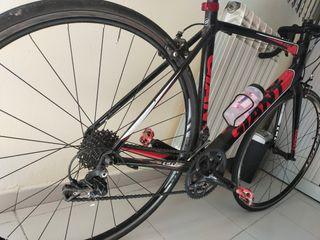 Bicicleta de carretera Giant de carbono