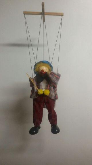 marioneta de madera antigua