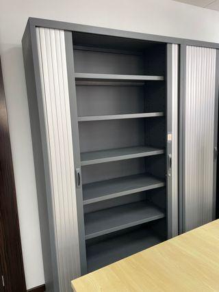 Muebles de metal para oficinas