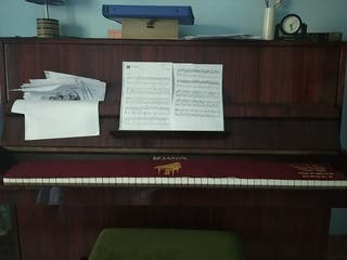 piano de pared perfecto uso