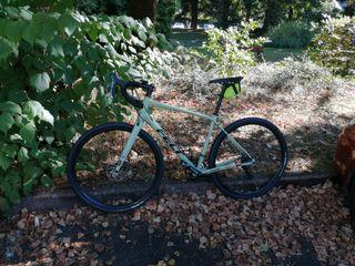 Bicicleta FELT gravel-carretera