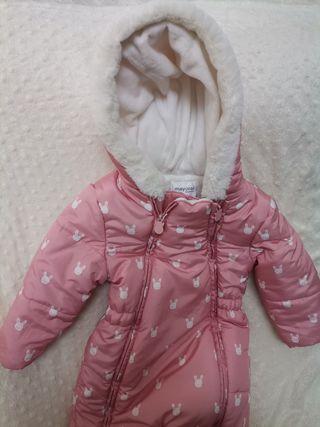 Buzo o traje de nieve 18 meses, 86 cm.