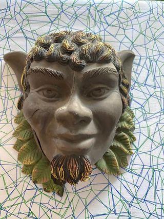 Máscara de cerámica duende