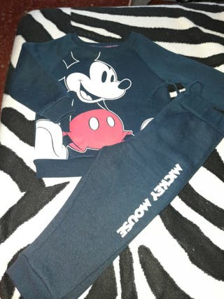 Chandal de Mickey Mouse. 12/18 meses
