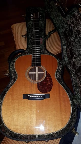 Guitarra Martin OM28V