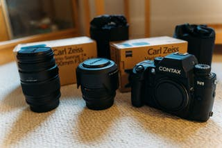 CONTAX N1 + T * 28-80 mm + T * 70-200 mm +sangle