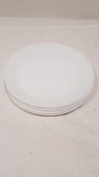 10 grandes platos blancos