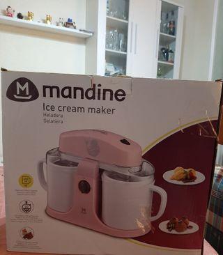 Heladera Mandine color rosa. NUEVA.