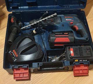 Taladro percutor Bosch 36V Profesional