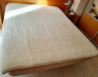 Manta cubre colchón