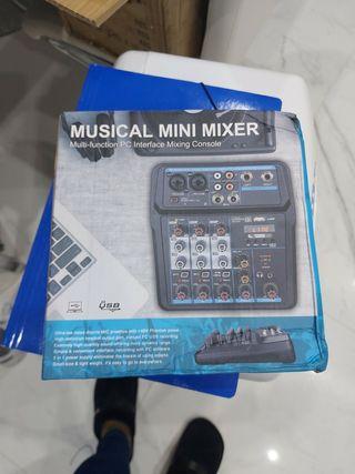 mesa de mezclas tarjeta de sonido USB nuevo!!
