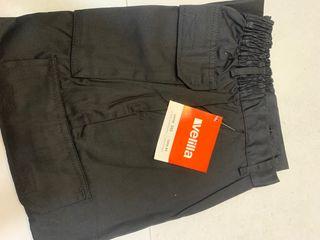 Pantalón negro de trabajo ,talla 44