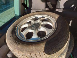 llantas con neumáticos