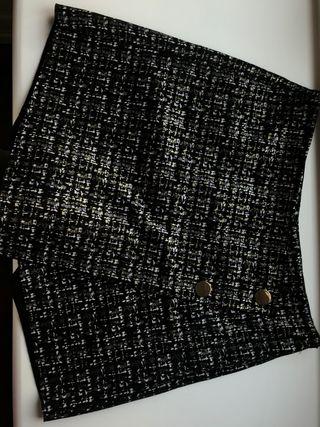 Falda negra elegante zara