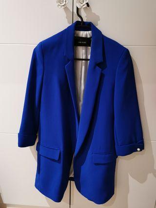 ZARA blazer americana azul Klein perlas blogger