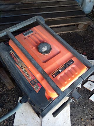 generador de gasolina y hormigonera.