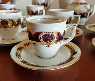 Juego de café porcelana alemana Graf von Henneberg