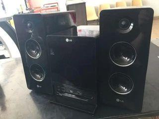 MINICADENA LG RADIO CD USB AUXILIAR MUSICA DJ