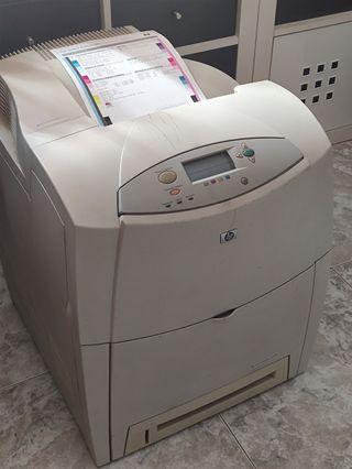 impresora láser color hp 4600n. toner nuevo y mas