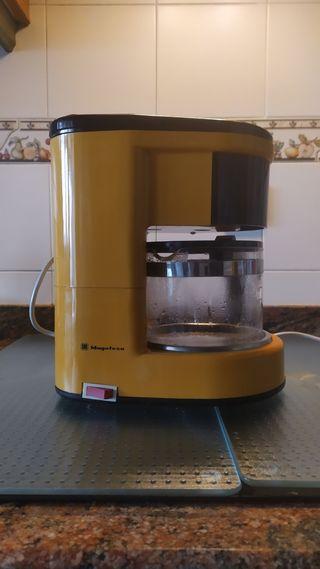 Cafetera eléctrica 18 tazas .