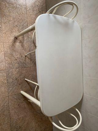 Mesa de cocina blanca extensible