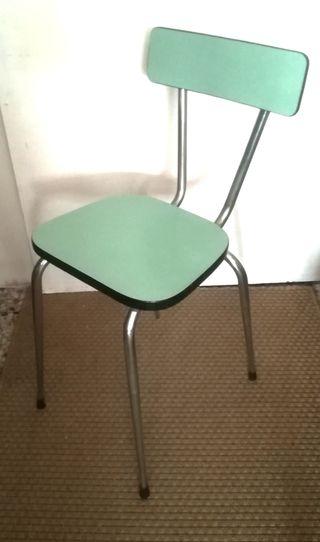 Cuatro sillas de cocina años 60