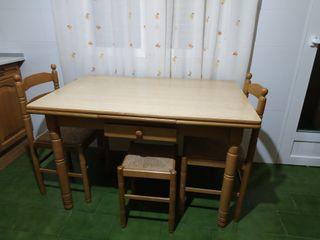 mesa cocina extensible + 2 sillas