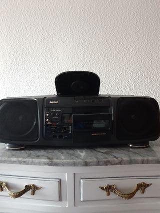 RADIO CD CASSETTE SANYO