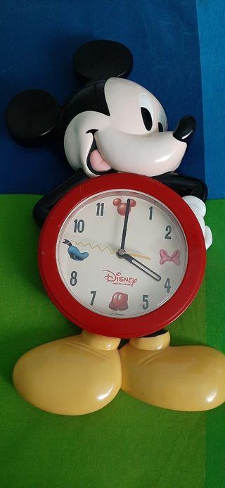 Reloj Mickie