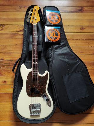 Fender Mustang Bass MIJ Reissue