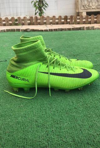 Deportiva de fútbol Nike