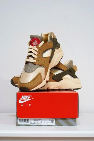 Nike Air Huarache x Stüssy Desert Oak (42)