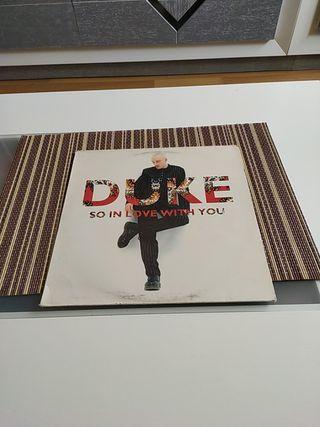 Maxi single Duke. So in love with you