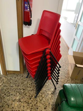 Sillas rojas de plástico apilables (X8)